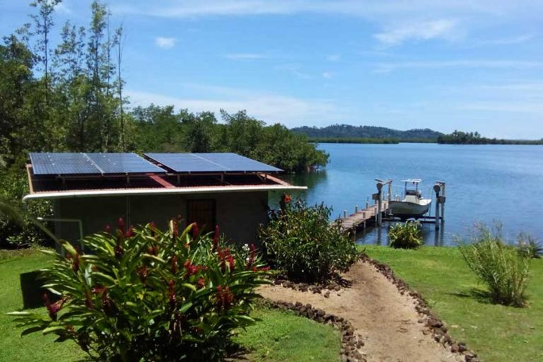 Off Grid house sit in Panama